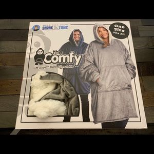 New The comfy hooded blanket/ sweatshirt